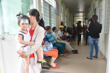 Bệnh nhi điều trị nghi sởi tại Bệnh viện Phụ sản - Nhi Đà Nẵng