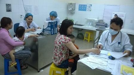 Còn hơn 400.000 trẻ em dưới 6 tuổi chưa được cấp thẻ BHYT