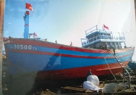 Tàu ĐNa – 90508 là tàu đã vớt và cứu hộ an toàn các ngư dân trên tàu bị chìm (ảnh Khánh Hồng)