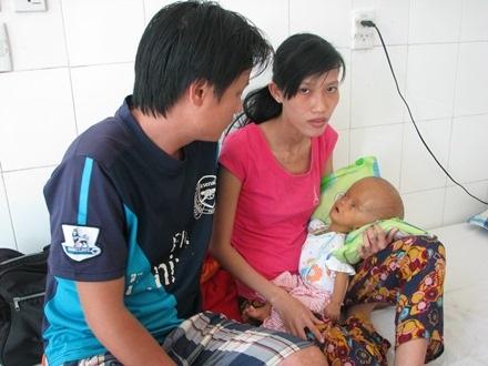 Cháu Gia Long đang điều trị tại Bệnh viện Phụ sản – Nhi Đà Nẵng