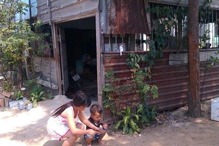 Vì nằm trong dự án quy hoạch nên người dân phải sống trong cảnh nhà cửa xuống cấ