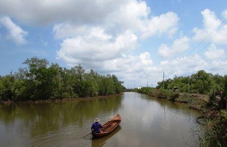 Người dân vừa bảo vệ rừng vừa thu hoạch nguồn lợi từ thủy sản