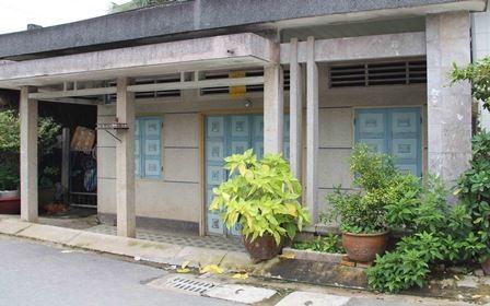 Gia đình chị Đào phải đóng cửa khi có quá nhiều người đến hỏi thăm