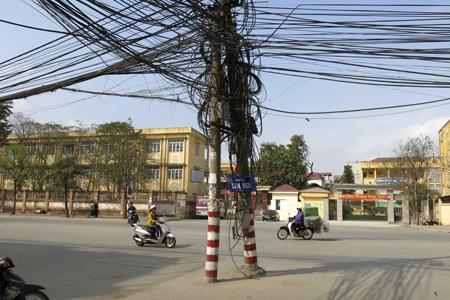 """Đẹp quá, nước ngoài ra đường chả thấy cột điện nào, qua VN thấy nhiều, đẹp ghê......""""-"""