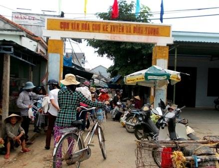 Chợ Kế Xuyên cũ buôn bán tràn cả ra đường