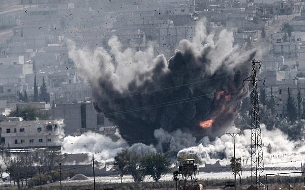 Một mục tiêu bị máy bay chiến đấu oanh kích tại Kobane.