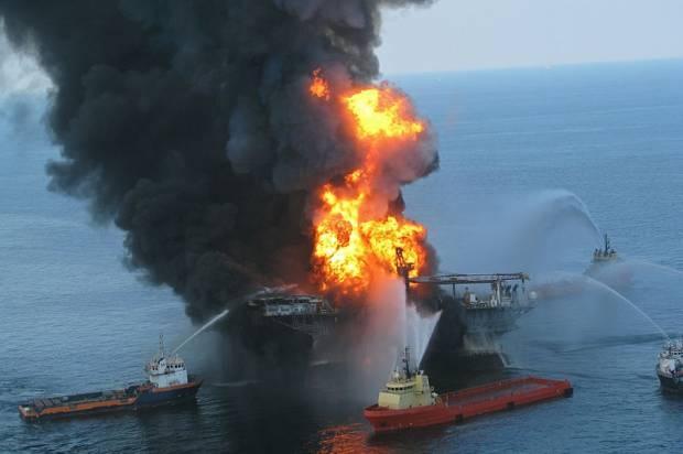 Vụ nổ tại giàn khoan Deepwater Horizons hồi năm 2010.