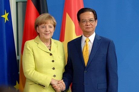 Thủ tướng Nguyễn Tấn Dũng và Thủ tướng CHLB Đức Angela Merkel. Ảnh: VGP/Nhật Bắc