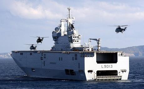 Một tàu chiến Mistral của Pháp.