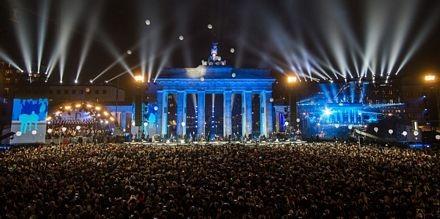Đức mở đại tiệc ngoài trời mừng 25 năm Bức tường Berlin sụp đổ