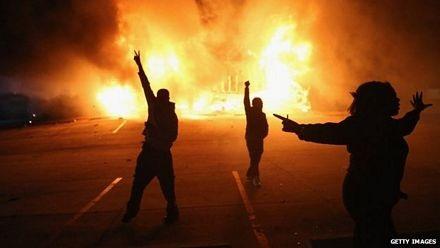 Bạo động đã nổ ra tại nhiều thành phố của Mỹ sau quyết định của tòa án.