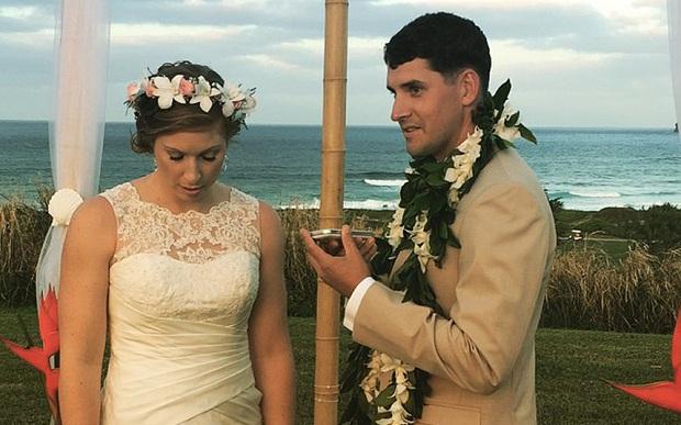 Cặp đôi Natalie - Edward trong hôn lễ (Ảnh Telegraph)