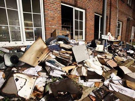 Các tài liệu bị cháy tại trụ sở nhật báo