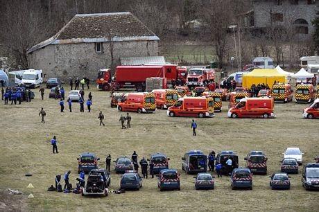 Lực lượng cứu hộ gần hiện trường vụ tai nạn ở Seyne, miền nam nước Pháp.