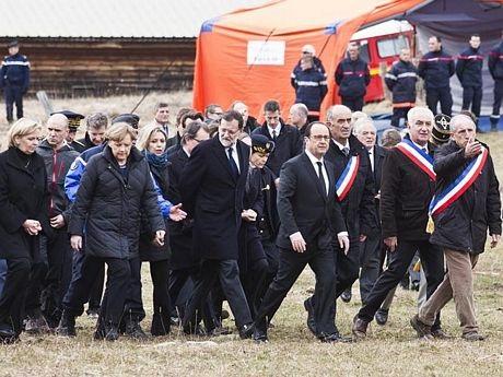 Thủ tướng Đức, Tổng thống Pháp và Thủ tướng Tây Ban Nha đã tới hiện trường vụ tai nạn hôm 25/3.