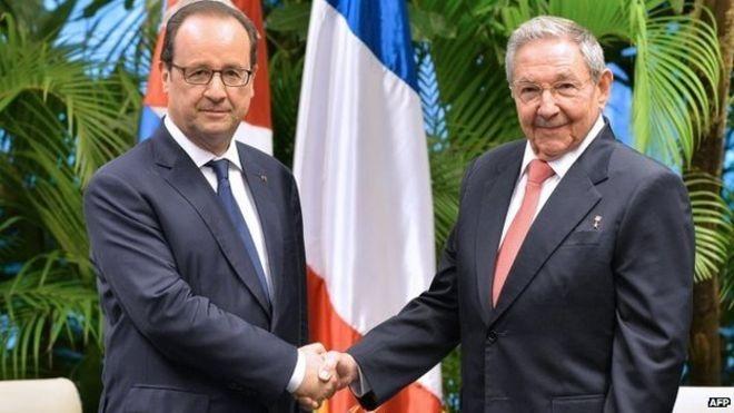 Lãnh đạo Pháp, Cuba bắt tay trong cuộc gặp tại Havana ngày 11/5 (Ảnh: