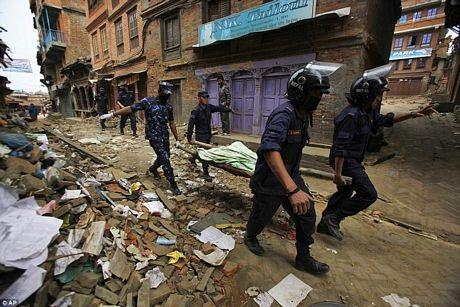 Nhiều nước cam kết trợ giúp Nepal