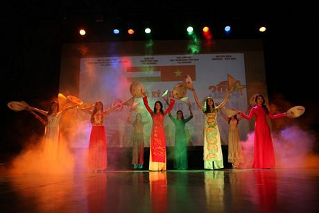 Đại sứ quán Việt Nam tại Hungary kỷ niệm ngày 30/4