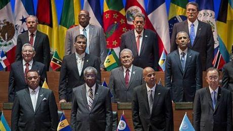 Tổng thống Obama và Chủ tịch Castro ngồi hàng ghế tại thượng đỉnh OAS.