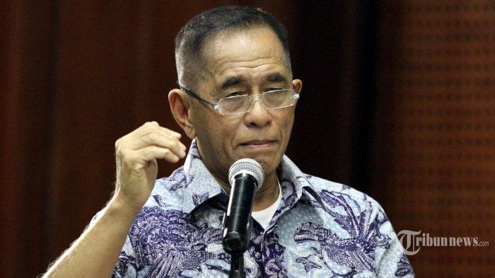 Bộ trưởng quốc phòng Indonesia Ryamizard Ryacudu (Ảnh: