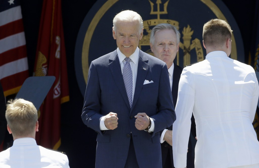 Phó tổng thống Mỹ Joe Biden tại Học viện hải quân Mỹ ngày 22/5 (Ảnh: