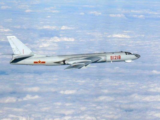 Máy bay ném bom H-6 của Trung Quốc (Ảnh: