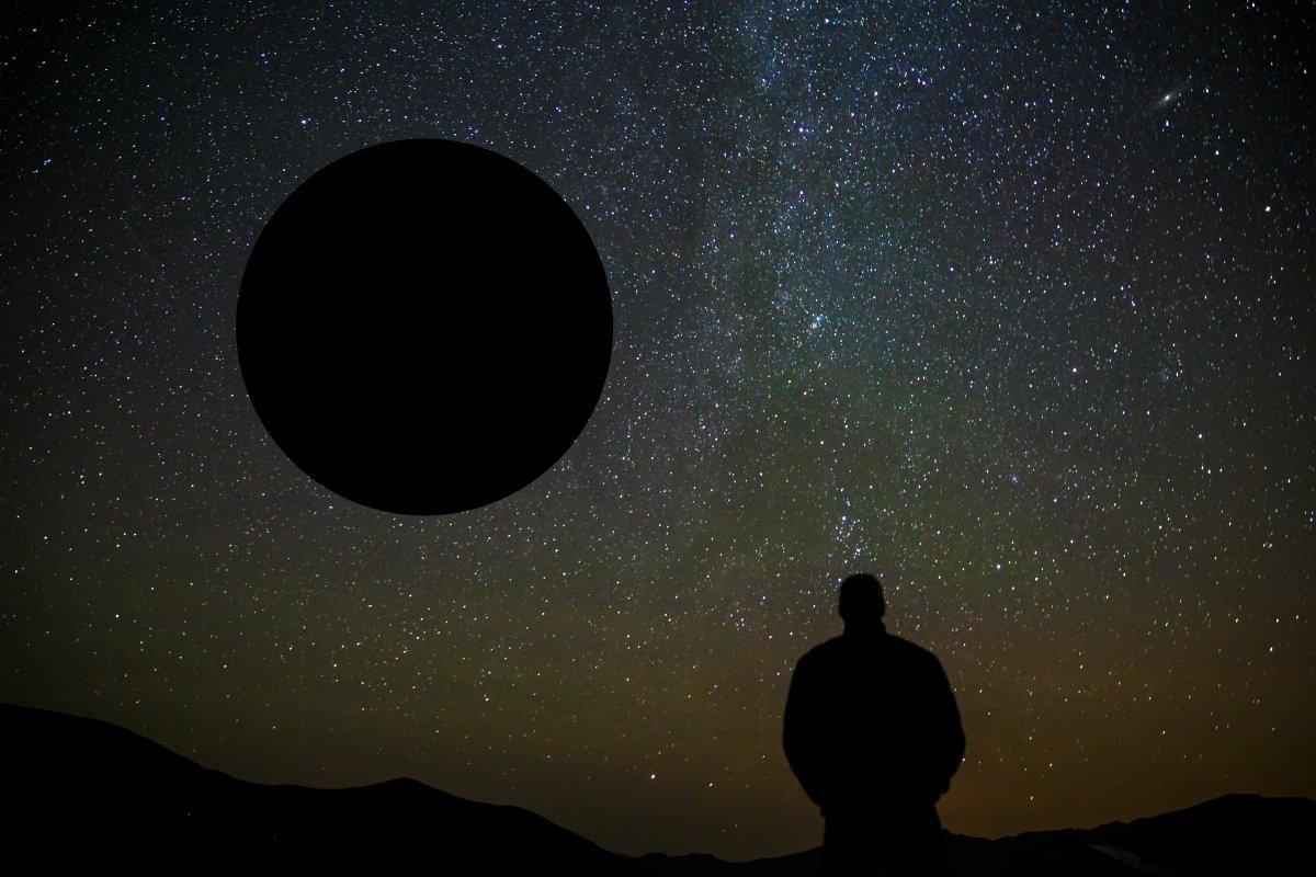 Một tiểu hành tinh như vậy có thể đâm vào bề mặt và phá hủy hoàn toàn Trái Đất của chúng ta