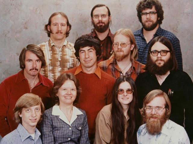 """Nhìn lại những người trong bức ảnh """"11 thành viên của Microsoft năm 1978"""" xưa và nay - 1"""