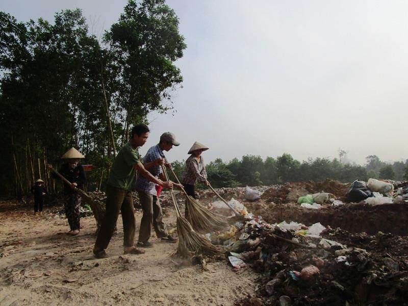 Chính quyền địa phương đã cho tạm dừng tập kết rác vào bãi rác vốn gây ô nhiễm môi trường lâu nay
