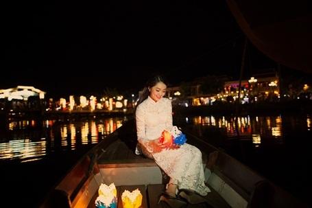 Hotgirl Vietnam Idol dịu dàng giữa Hội An thơ mộng - 2