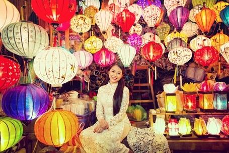 Hotgirl Vietnam Idol dịu dàng giữa Hội An thơ mộng - 4