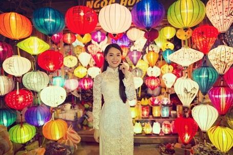 Hotgirl Vietnam Idol dịu dàng giữa Hội An thơ mộng - 5