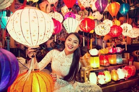 Hotgirl Vietnam Idol dịu dàng giữa Hội An thơ mộng - 6