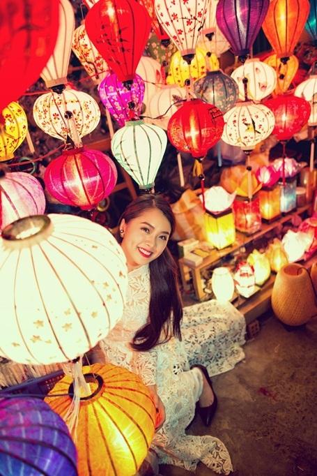 Hotgirl Vietnam Idol dịu dàng giữa Hội An thơ mộng - 7