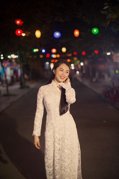 Hotgirl Vietnam Idol dịu dàng giữa Hội An thơ mộng - 8