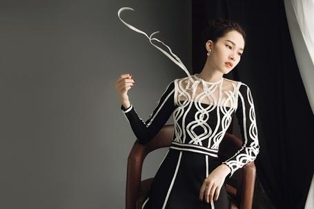 Hoa hậu Đặng Thu Thảo lột xác với hình ảnh gợi cảm - 4