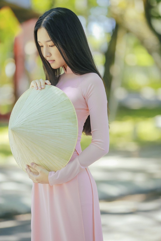 Nhan sắc nàng thơ xứ Huế vào chung kết Hoa hậu Việt Nam - Ảnh 11.