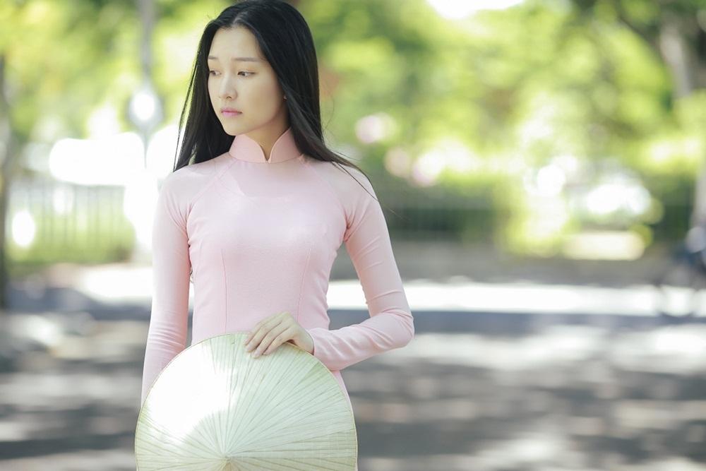 Nhan sắc nàng thơ xứ Huế vào chung kết Hoa hậu Việt Nam - Ảnh 5.