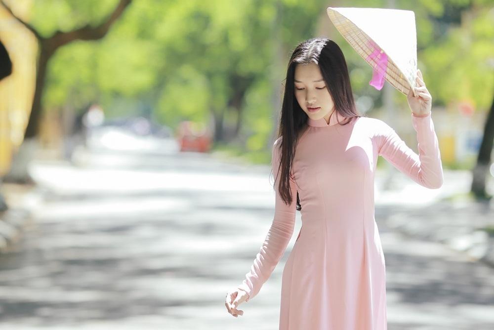 Nhan sắc nàng thơ xứ Huế vào chung kết Hoa hậu Việt Nam - Ảnh 16.