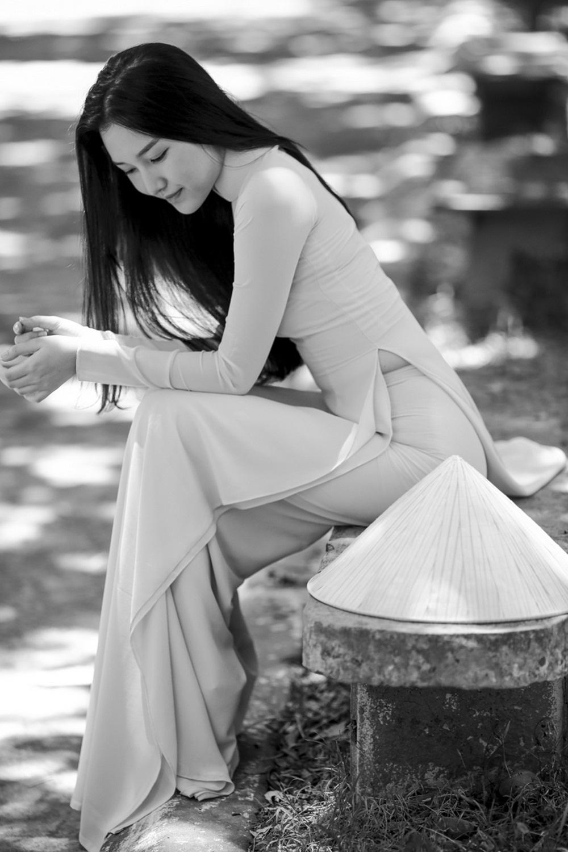 Nhan sắc nàng thơ xứ Huế vào chung kết Hoa hậu Việt Nam - Ảnh 9.