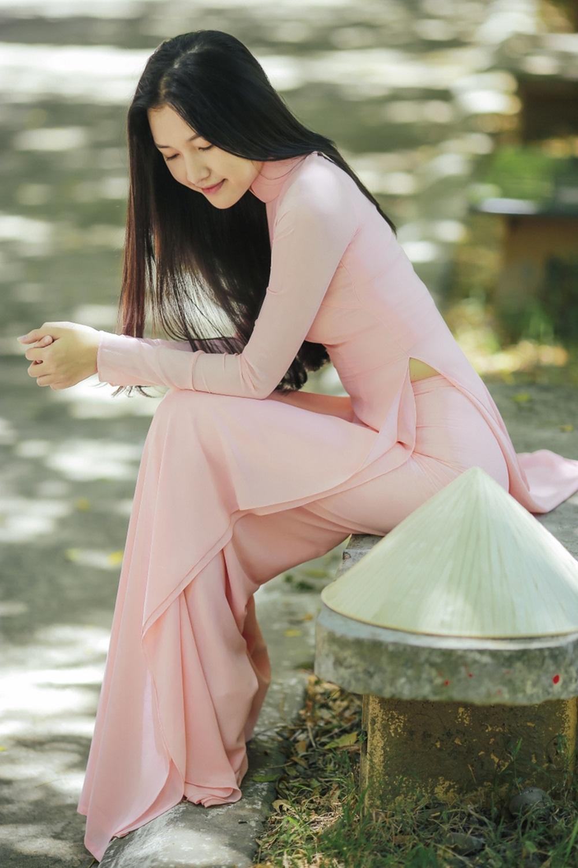 Nhan sắc nàng thơ xứ Huế vào chung kết Hoa hậu Việt Nam - Ảnh 8.