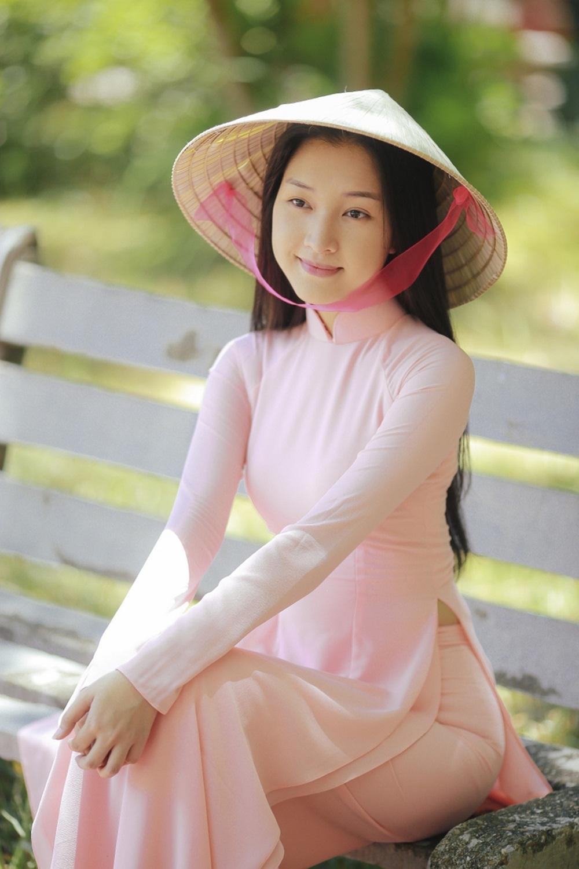 Nhan sắc nàng thơ xứ Huế vào chung kết Hoa hậu Việt Nam - Ảnh 13.