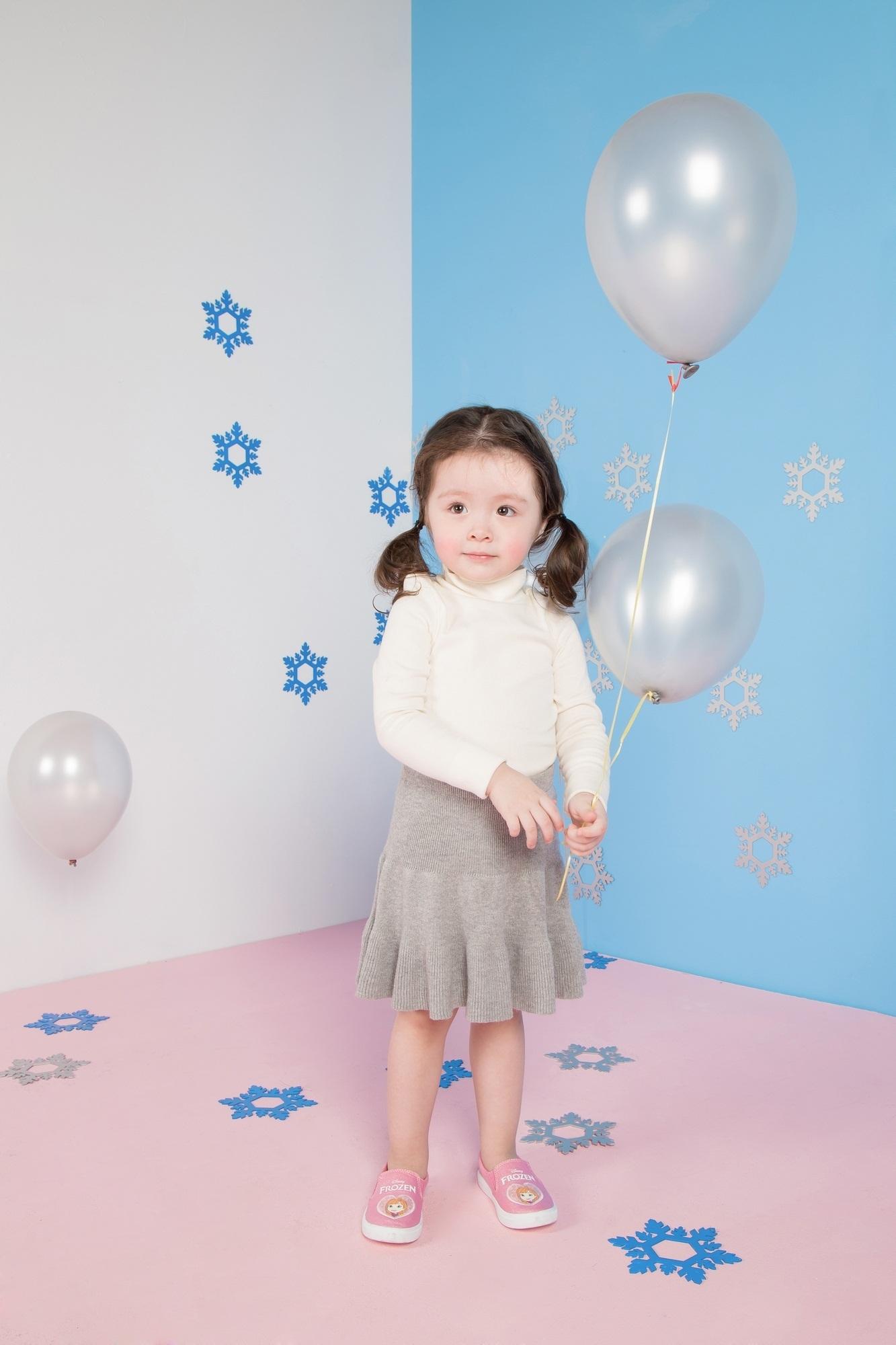 """Cadie Mộc Trà """"đốn tim"""" với ảnh Giáng sinh tựa công chúa Elsa - 8"""
