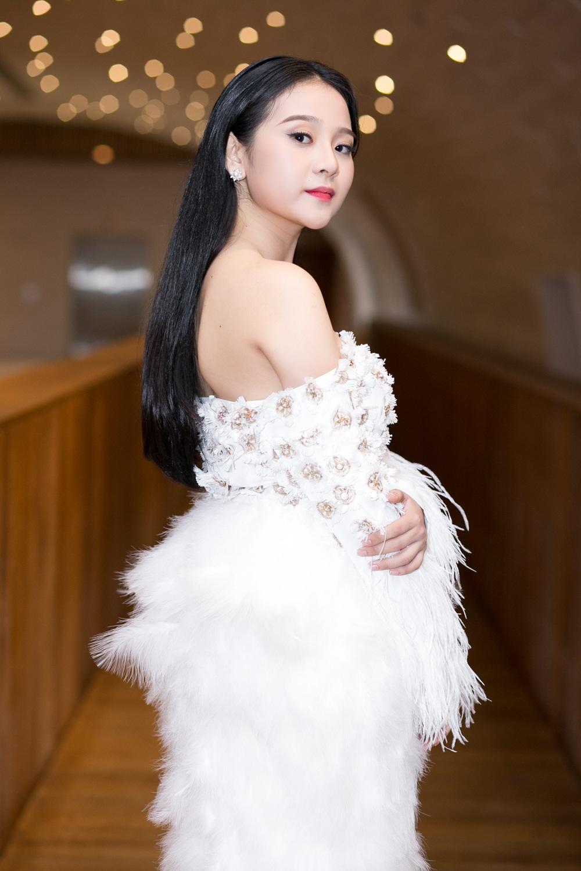 Tam Triều Dâng - Ngẩn ngơ nhan sắc tuổi 18 - 6
