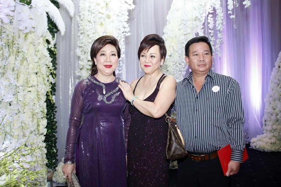 """Bố mẹ Hari Won - Trấn Thành và đông đảo nghệ sĩ dự """"đám cưới của năm"""" - 7"""