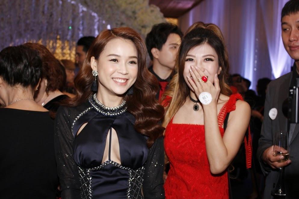 Hot girl Sam cùng ca sĩ Trang Pháp.