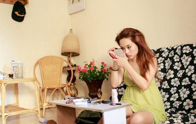 Đang có đà nổi tiếng sau bộ phim nhưng gia đình Diễm Hằng đã gặp biến cố khiến cuộc sống của cô có nhiều khó khăn.