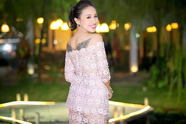 Bộ phim mang đến thành công cho cô là Nhật kỳ Vàng Anh phần 1, đóng cùng các diễn viên Minh Hương, Mạnh Quân, Diễm Hằng...