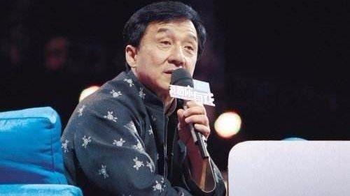 Thành Long tiết lộ làng giải trí Hoa ngữ có nhiều bí ẩn mà nếu nói ra sẽ khiến nhiều người rùng mình.