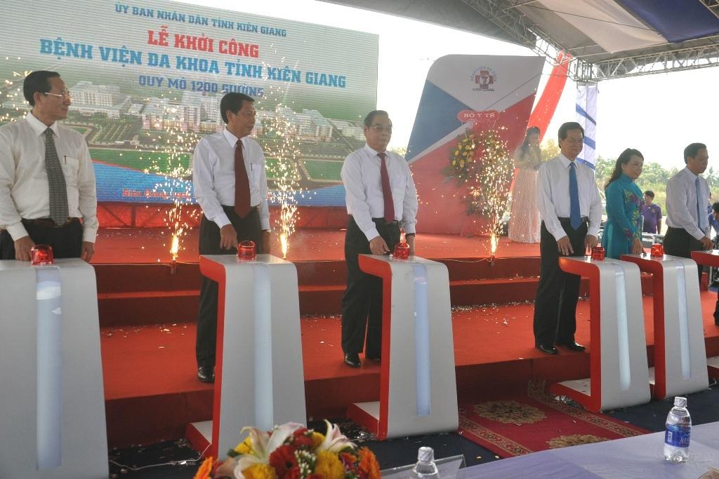 Thủ tướng dự lễ kỷ niệm 30/4, phát lệnh khởi công BV Đa khoa Kiên Giang